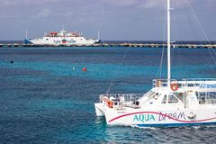 Boat and ferry from Cozumel to Playa del Carmen, Mexico Stock Photography