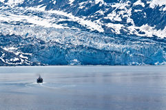 Boat in Glacier Bay Royalty Free Stock Photos