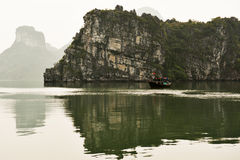Boat in halong bay Royalty Free Stock Photography