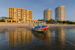Boat on Huahin beach. With reflection Stock Photography