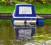 The boat on the river mooring Royalty Free Stock Photos