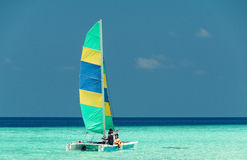 Boat sailing on a beautiful sea Royalty Free Stock Images