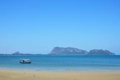 Boat on the seashore Royalty Free Stock Photo