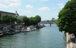 Boat traffic on Seine Royalty Free Stock Images