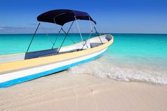 Boat tropical beach Caribbean turquoise sea Royalty Free Stock Images