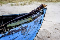 Boat wreck on a beach Royalty Free Stock Photos