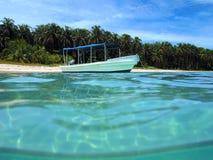 Boat in Zapatillas islands Royalty Free Stock Photos