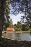 Boathouse στη λίμνη Vaa στο εθνικό πάρκο Cairngorms στοκ εικόνες