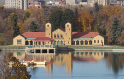 Boathouse et lac à Denver Image stock