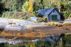 Boathouse i odbicia w Kenmare Fotografia Royalty Free