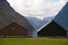 Boathouses przy fjord wybrzeżem Zdjęcia Royalty Free