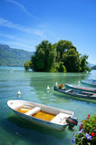 Boats in annecy lake Royalty Free Stock Photos
