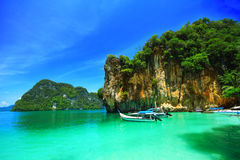 Boats and the clear sea at Phi Phi island Stock Photos