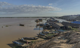 Boats and cottage near Tonle Sap lake Royalty Free Stock Photos