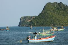 Boats and karst mountains at Prachuab Khiri Khan Royalty Free Stock Image
