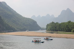 Boats on the Li river. Cruise on the Li river, Guilin - China Stock Photography