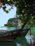 Boats and limestone cliffs Royalty Free Stock Photography