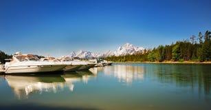 The Boats near Jackson Lake resort Royalty Free Stock Photography