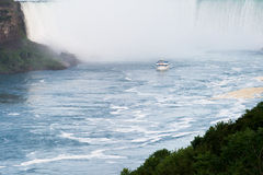Boats near the niagara's falls Royalty Free Stock Photo