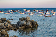 Boats in the ocean en Tamariu (small village in Costa Brava, Cat Royalty Free Stock Photography