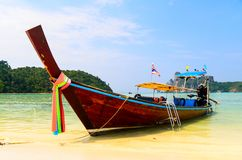 Boats, sea and cliffs Royalty Free Stock Images