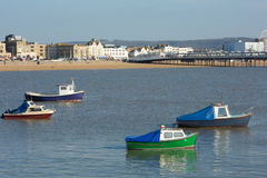 Boats and Pier in Weston-super-Mare bay and sea front view Stock Photography