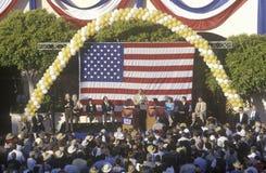 Bob Dole parle à un rassemblement à Santa Barbara Photographie stock libre de droits