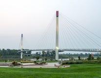 Bob Kerry Pedestrian Bridge em Omaha fotos de stock royalty free