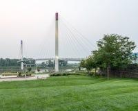 Bob Kerry Pedestrian Bridge em Omaha fotografia de stock