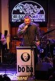 Boba演奏实况音乐的爵士乐队在克拉科夫爵士乐在Jaszczury俱乐部的所有Souls'天节日 克拉科夫 免版税库存图片