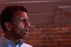 Bobby Jindal, el gobernador de Luisiana y el aspirante a presidente habla en Smokey Row Coffee House, Oskaloosa, Iowa Imagenes de archivo