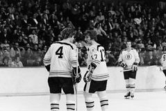 Bobby Orr och Bobby Schmautz, Boston Bruins arkivbild