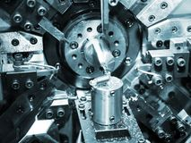 Bobina di CNC che sporing facendo macchina Immagine Stock