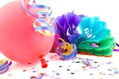 Bobinadores de cintas en modo continuo del globo y del partido para el cumpleaños Imagen de archivo libre de regalías