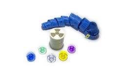 Bobinas coloridas para a costura da máquina no fundo branco Imagens de Stock Royalty Free