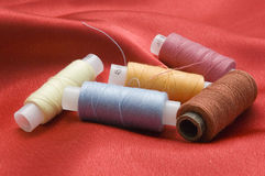 Bobinas de las cuerdas de rosca del color Imágenes de archivo libres de regalías