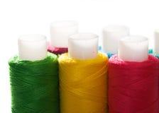 Bobinas de las cuerdas de rosca del color fotos de archivo libres de regalías