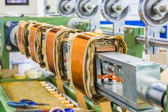 Bobinas retangulares para transformadores da distribuição no machi do enrolamento fotografia de stock