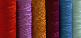 Bobine avec les amorçages colorés Image stock