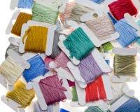 Bobine brillantemente colorate del filo Fotografia Stock