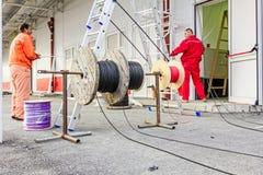 Bobine de câble, bobine au chantier de construction Photo stock