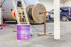 Bobine de câble, bobine au chantier de construction Photographie stock libre de droits