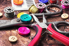 bobine de couture de bouton et de fil Images libres de droits