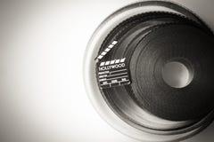 bobine de pellicule cinématographique de 35 millimètres avec peu de clapet Images stock