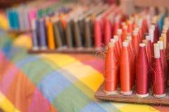 Bobine dei fili di seta Fotografia Stock