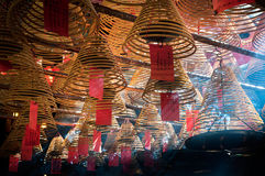 Bobine e fumo di incenso dentro l'uomo Mo Temple, strada di Hollywood, Hong Kong Fotografie Stock