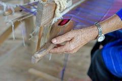 Bobine en bois de prise de femme Images libres de droits