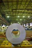 Bobine laminate a freddo dell'acciaio fotografia stock libera da diritti