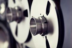 Bobine ouverte d'enregistreur de platine du dérouleur de bobine de stéréo analogue Photographie stock