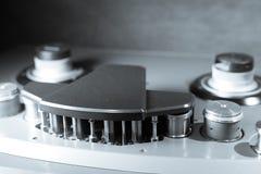 Bobine saine de magnétophone de vintage et détail professionnels de tête Photographie stock